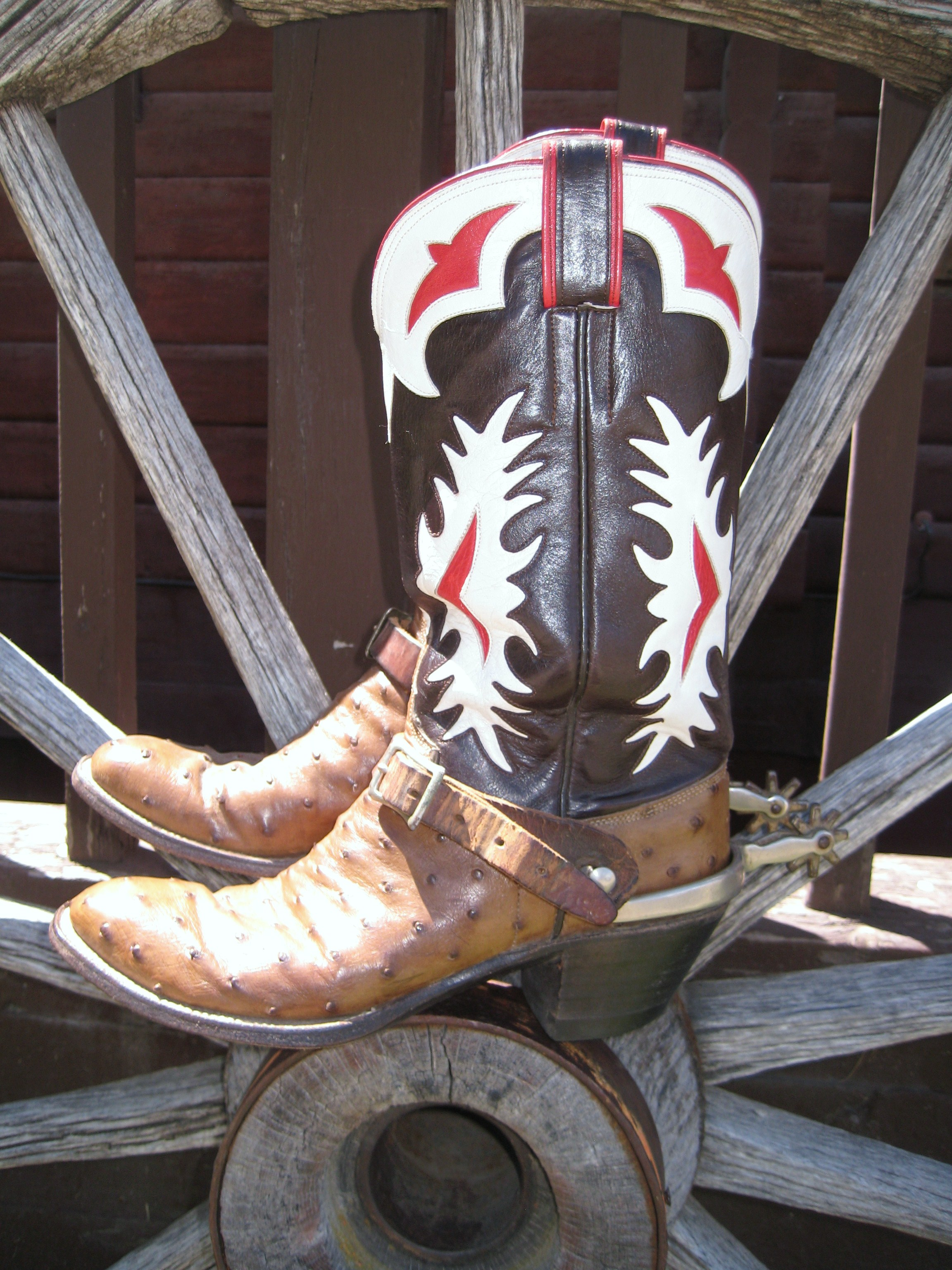 Crazy Horse Consignment has Cowboy Boots